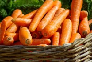 Smoothie basics carrots